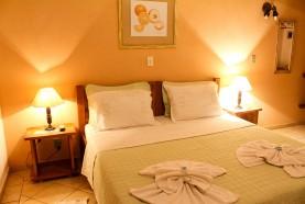 cama-acomodacoes-hotel-fazenda-em-brotas-jacauna