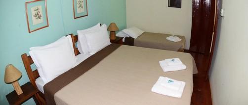 cama-casal-casa-centenaria-hotel-fazenda-em-brotas-jacauna