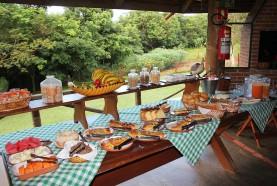 mesa-cafe-da-manha-hotel-fazenda-brotas-jacauna