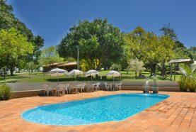 piscina-hotel-fazenda-jacauna-brotas-10