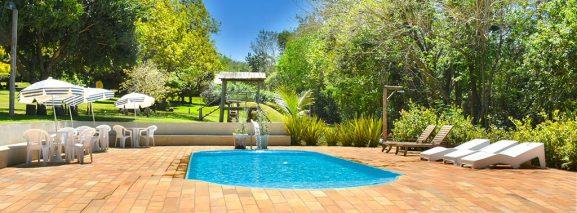 piscina-hotel-fazenda-jacauna-brotas-8