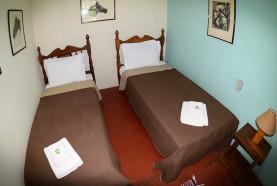 quarto-solteiro-casa-centenaria-hotel-fazenda-em-brotas-jacauna