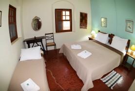quarto-triplo-casa-centenaria-hotel-fazenda-em-brotas