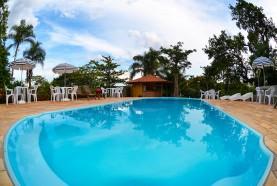 tarde-na-piscina-hotel-fazenda-jacauna-brotas